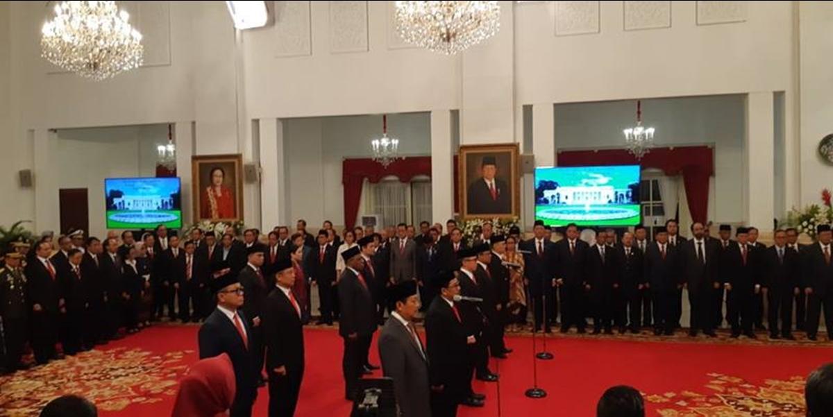 Presiden Joko Widodo atau Jokowi resmi melantik 12 wakil menteri (Wamen)